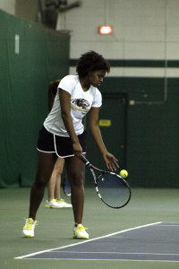 Dana Shannon sets up for a serve. Photo by Ben Gauger