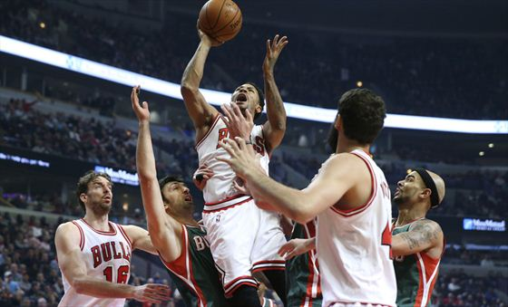 In his first playoff action since his original ACL tear, Derrick Rose made plays all over the court
