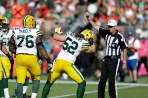 Clay Matthews imitates Colin Kaepernick's signature bicep kiss after a sack photo: Sacramento Bee