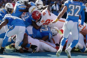 Dontari Poe gets to play fullback and score a touchdown vs. the Chargers. photo: kctv5.com